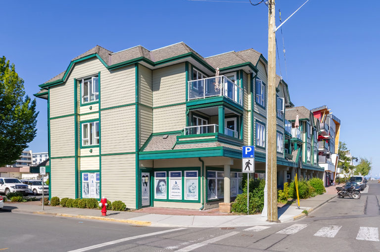 Sidney-Harbour-Dental-Headshot-office-image4
